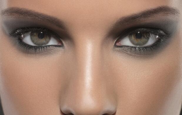 Maquillaje semipermanente pestañas y más