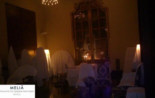 Cena, alojamiento y desayuno en Halloween