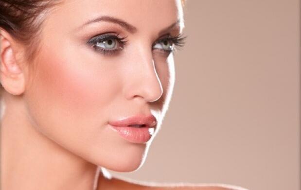 Labios sin arrugas con hialurónico
