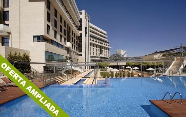 Piscina,comida y siesta en hotel Nelva