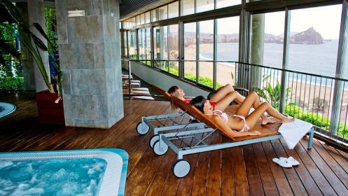 Escapada deluxe 4*: habitación con bañera hidromasaje, desayuno y más