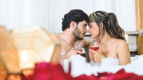 Noche + Cena + SPA + Coctel de enamorados para 2 personas.