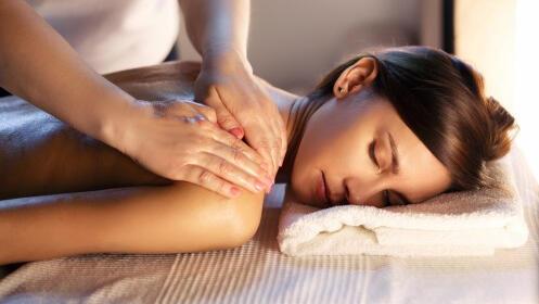 Exfoliante corporal + tratamiento de hidratación con mascarilla