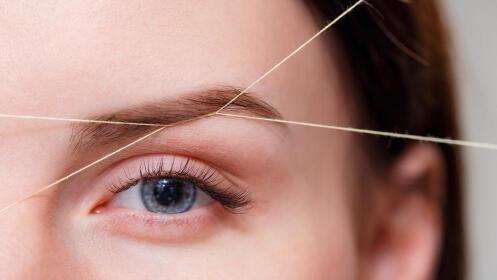 Diseño y depilación de cejas con hilo por 10€