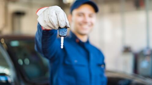 -42% Cambio de aceite + filtro + revisión coche en Cartagena por 60€