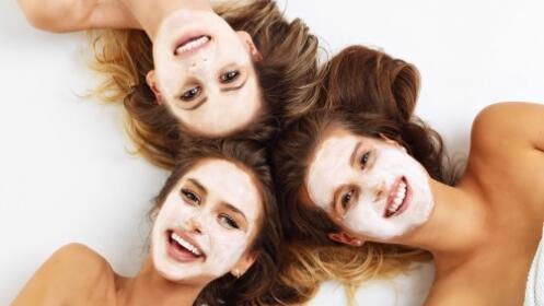 1 o 2 sesiones de limpieza facial con peeling ultrasónico y masaje cervical desde 19,95 €